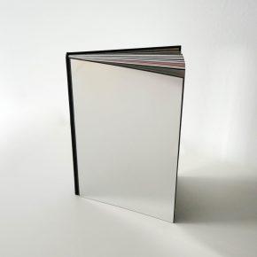 Un libro en el que verte reflejado literalmente: OFFF 2017