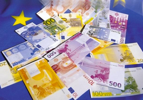 ¿Cómo y cuándo surge el papel moneda?
