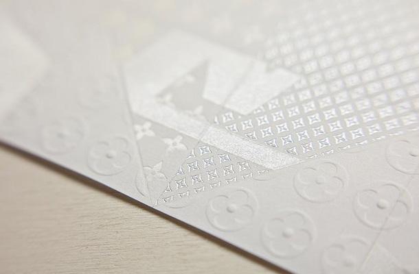 Louis Vuitton y el maravilloso arte de imprimir en Arcoprint Milk de Fedrigoni