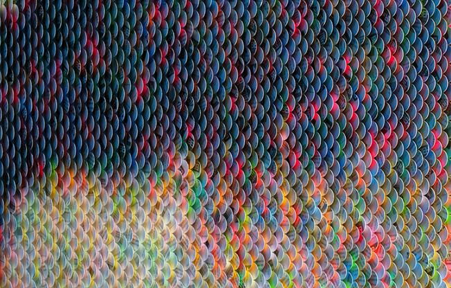 ¿Puedes adivinar qué representa esta obra tridimensional en papel?