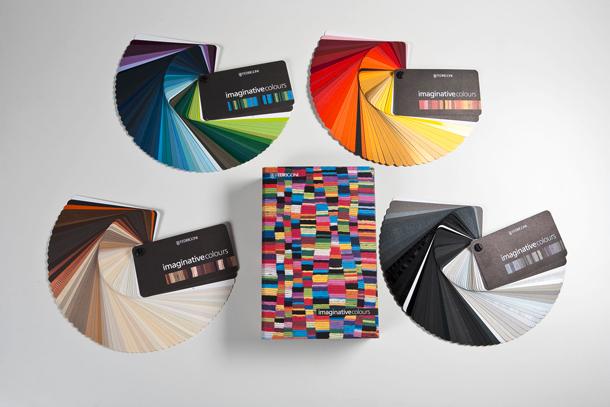 'Cien mil millones de poemas' hechos en papel'Cem mil milhões de poemas' feitos em papel