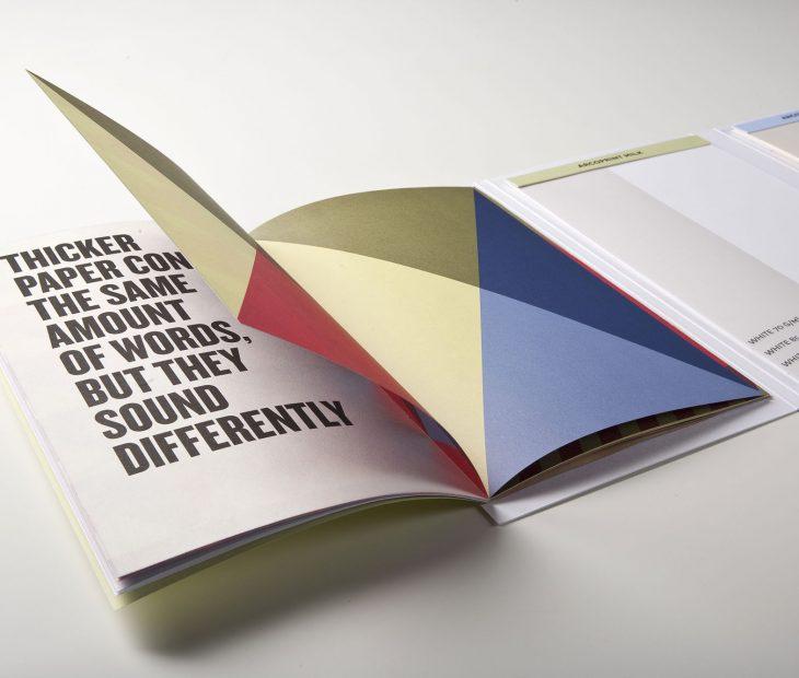 ¿Sabías cuál es la ventaja de un papel volumen?Sabia qual é a vantagem de um papel de alto volume?