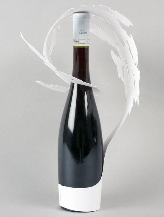 El papel y el vino unidos por la creatividad